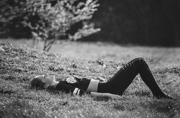 movimientos de yoga estómago wb