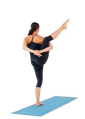 posturas de yoga que te ayudarán a aumentar tu energía ave