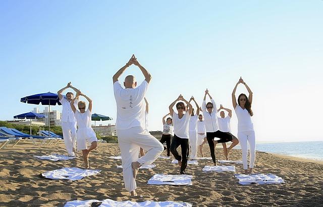 practicar yoga concentración