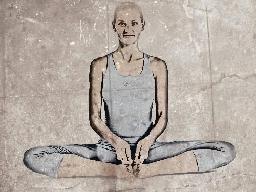 yoga para combatir la negatividad mariposa
