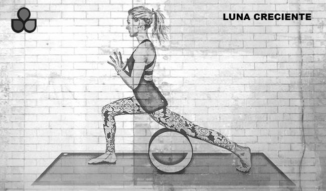 maneras de usar una rueda de yoga 3