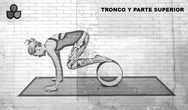 maneras de usar una rueda de yoga 6