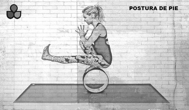 maneras de usar una rueda de yoga 9